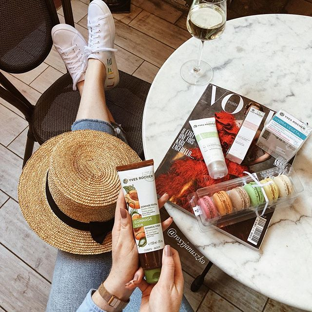 Photo by Israel Тексты И Вино 🍷 in Epicerie Fine Neve Tzedek with @keds, @vogueparis, @epiceriefine, and @yvesrocher_il. Image may contain: one or more people, people sitting and hat